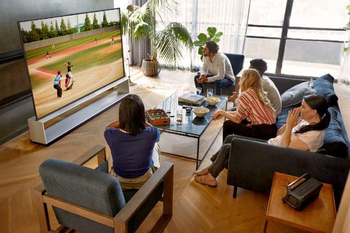 Com funções aprimoradas, nova linha de TV OLED LG faz a alegria dos fãs de filmes, games e esportes