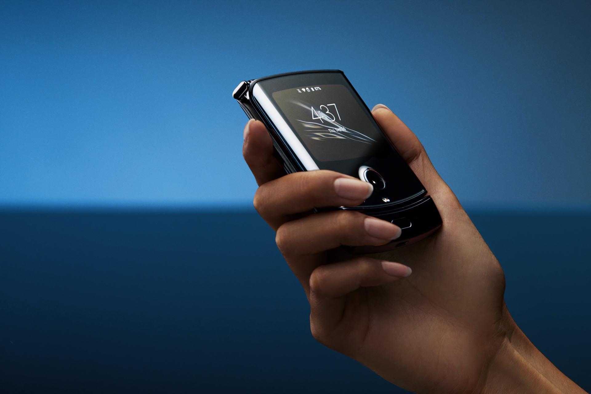 motorola razr é o primeiro smartphone com tela dobrável