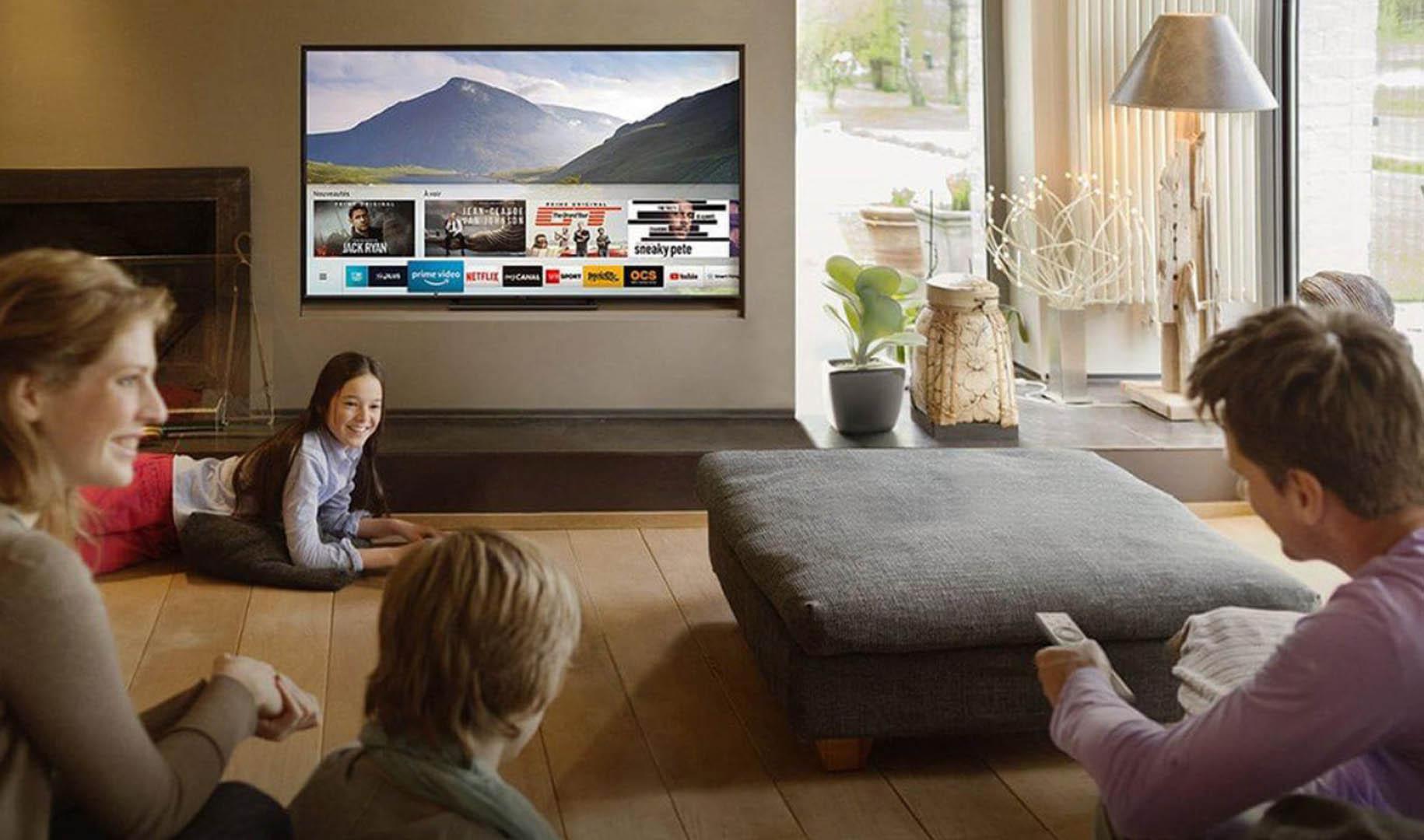 Conteúdo do smartphone na tela da Smart TV