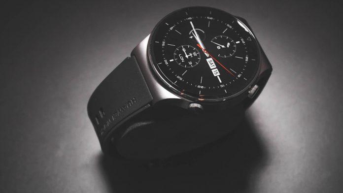 Novo smartwatch da Huawei oferece funções esportivas avançadas
