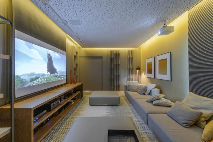 Home theater garante a diversão da família